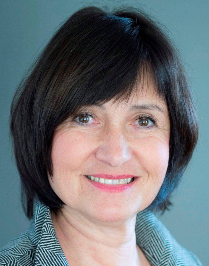 Ruth Elisa Roth Ausbildungsleitung Yogaausbildungszentrum Wünrichter Seminare